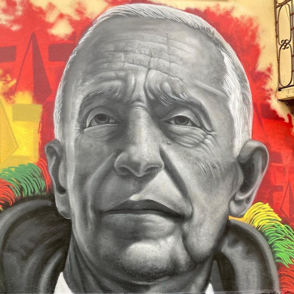Caretos de Podence erguem mural de homenagem a Marcelo Rebelo de Sousa